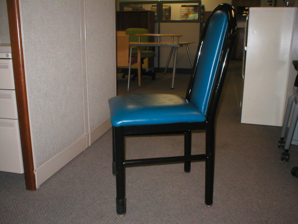 pre owned cafeteria chairs boss office products